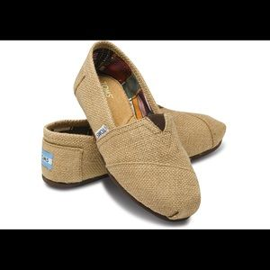 Perfect for Spring 🌺Burlap Toms (9)